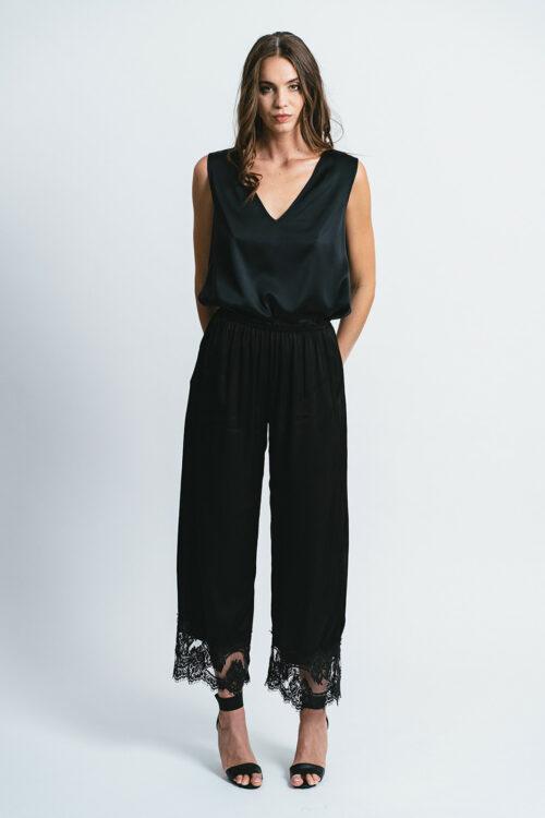 Pants with lace details