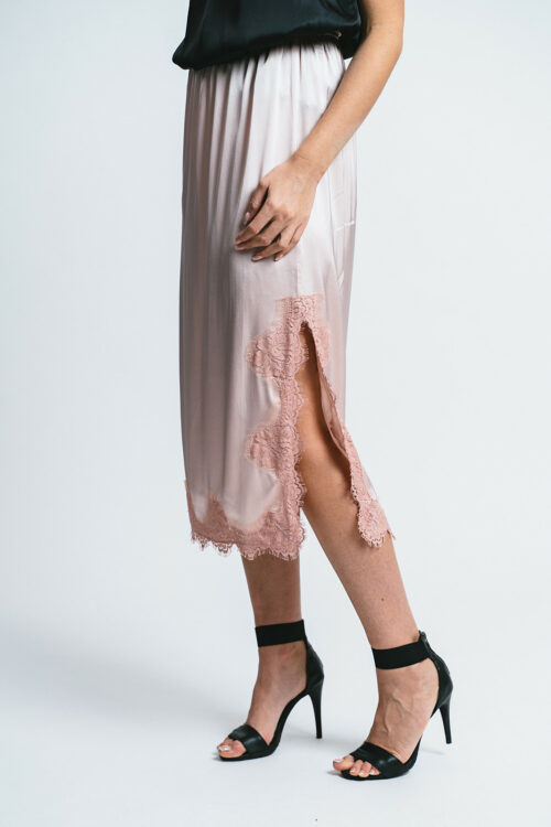 Skirt with side slit and lace