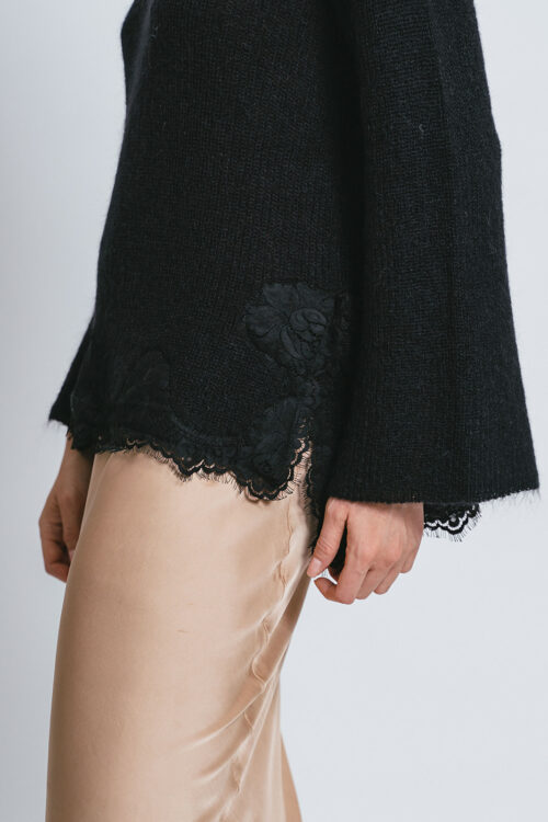 Sweater with lace details