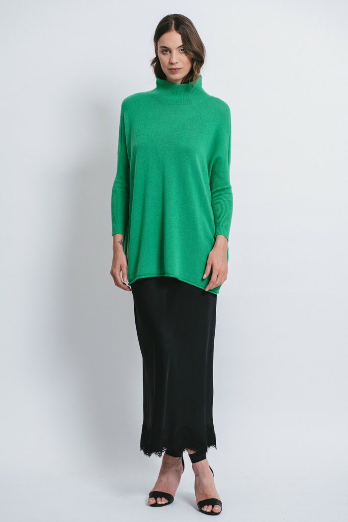 100% Cashmere Oversize Sweater and high neck