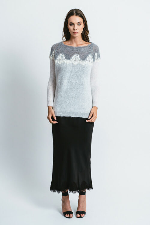 Bicolored Sweater with lace