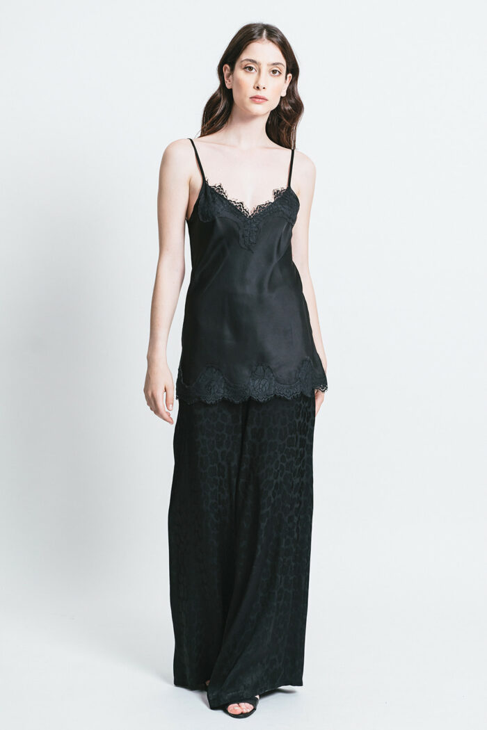 Top con pizzo