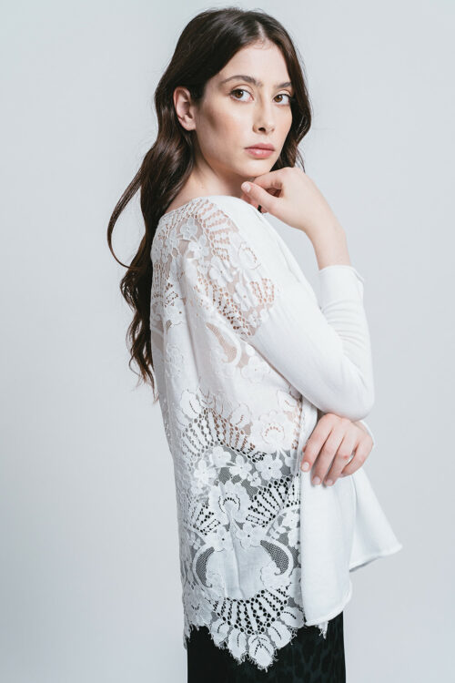 Sweater with lace on the back