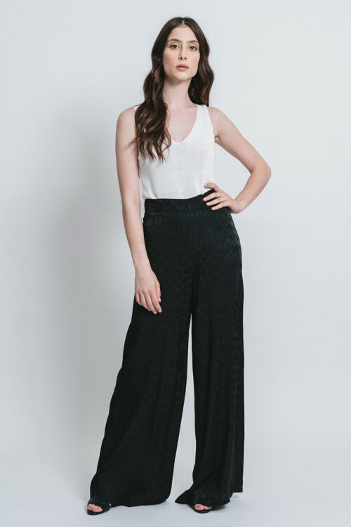 Trousers with macula Jacquard