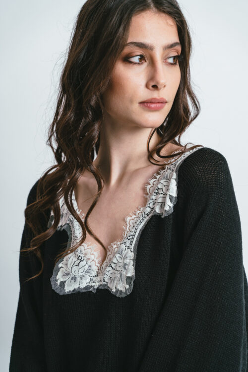 Sweatshirt over with lace Martha