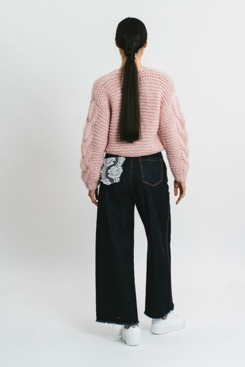 Short cardigan with braids