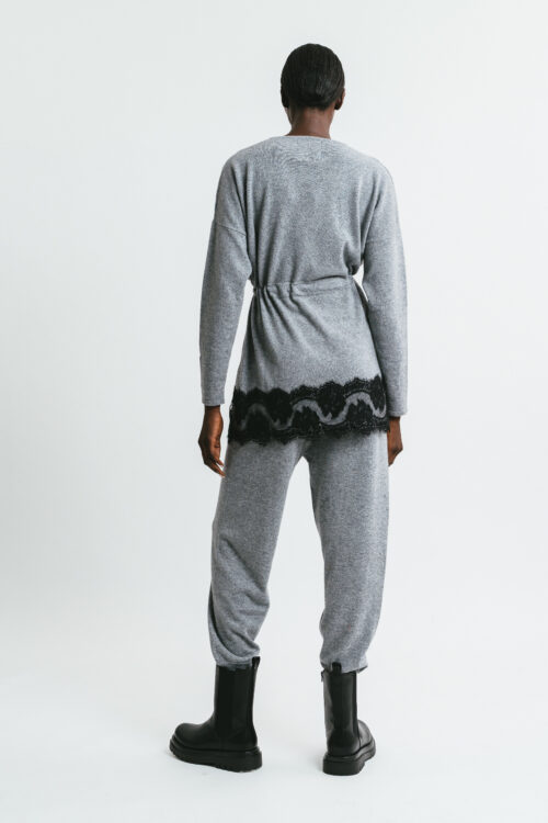 Sweater with drawstring and lace