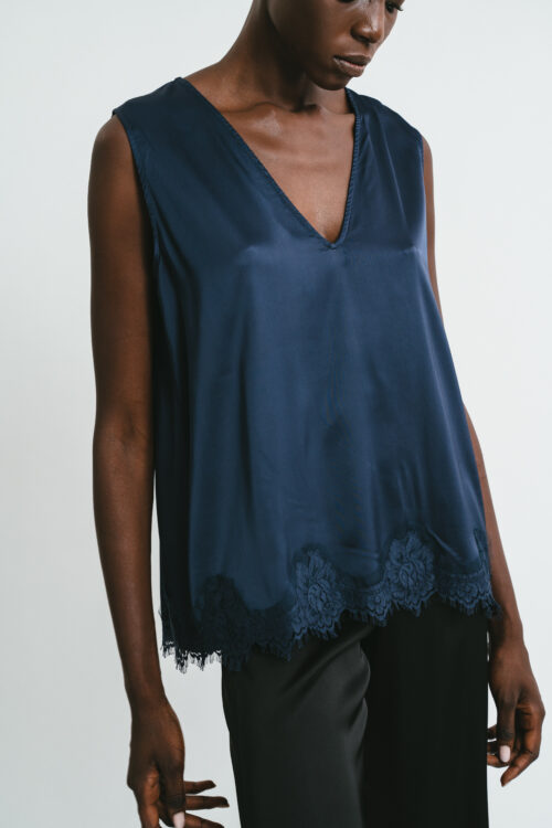 Top with wide shoulder lace