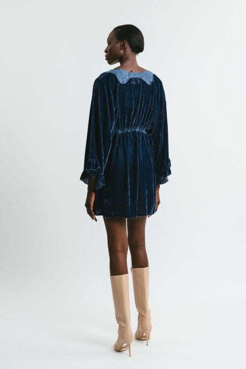 V-neck dress with velvet lace