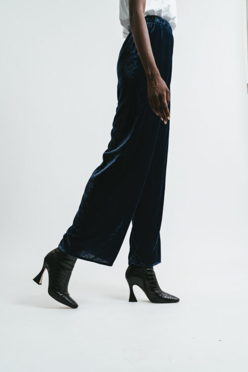 Velvet pants with lace on the bottom